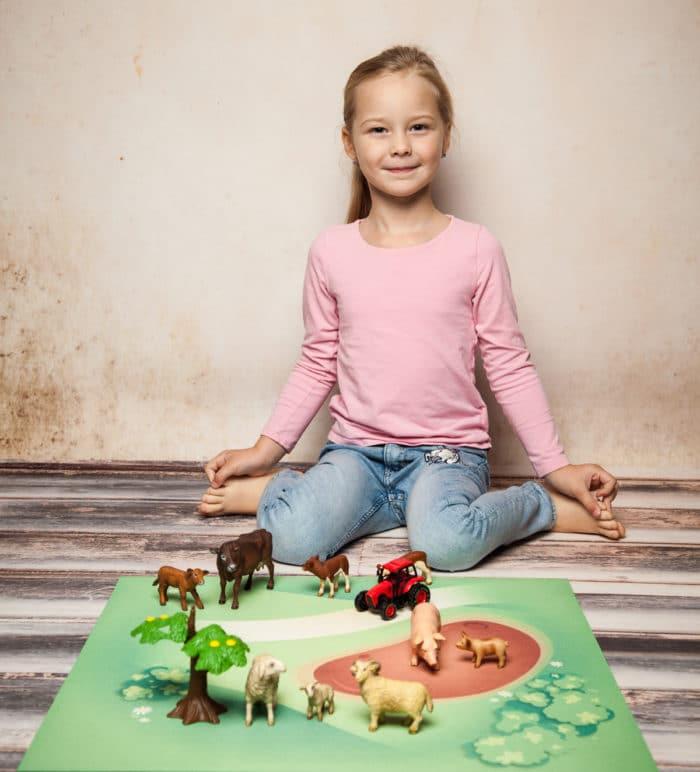 Spielmatte – Graslandschaft mit Matsch